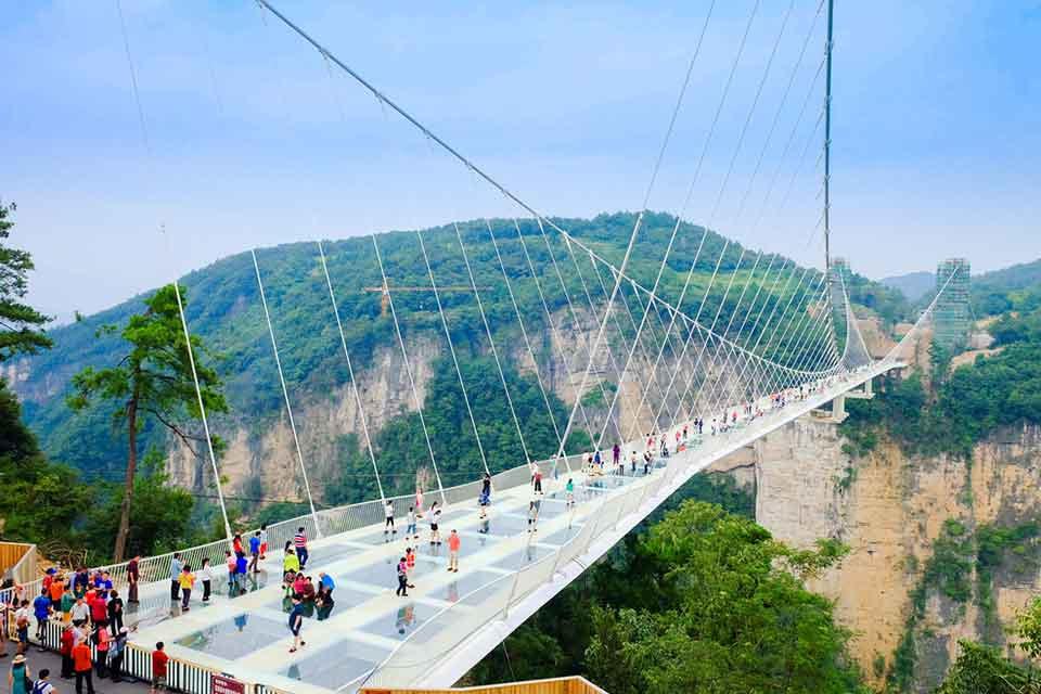 Zhangjiajie-Glass-Floor-Bridge-