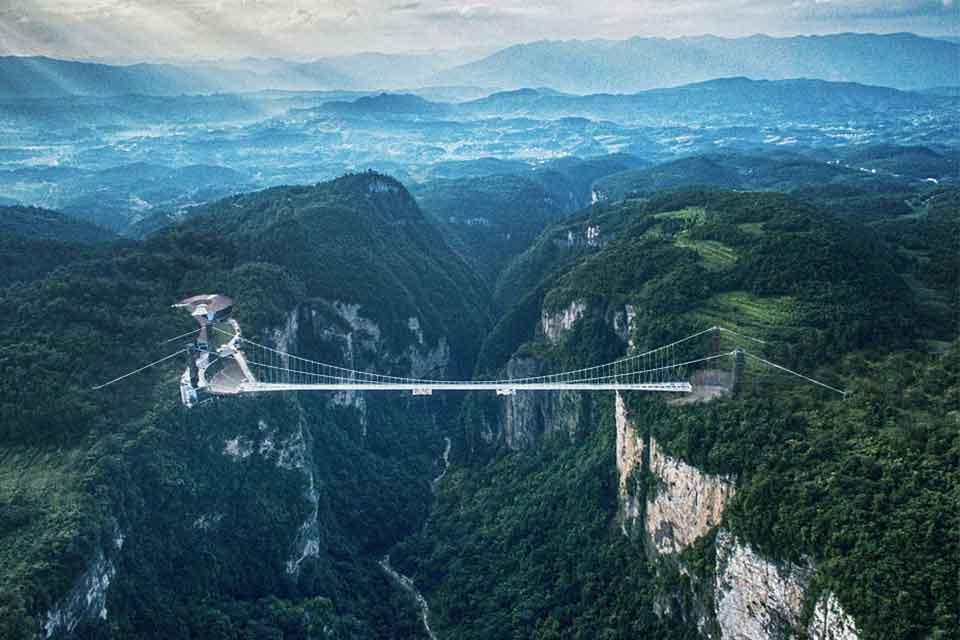 Zhangjiajie-Glass-Floor-Bridge